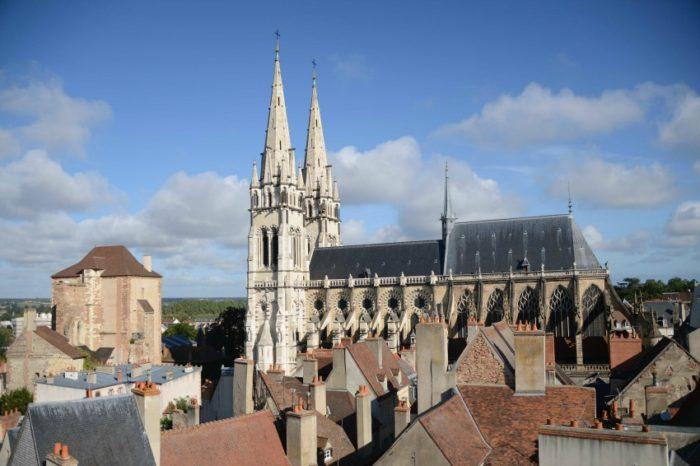 Auvergne-Allier- Moulins -Mal Coiffée-Cathédrale JMT013
