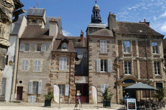 Auvergne-Allier-Moulins-Place de l'ancien palais-LL