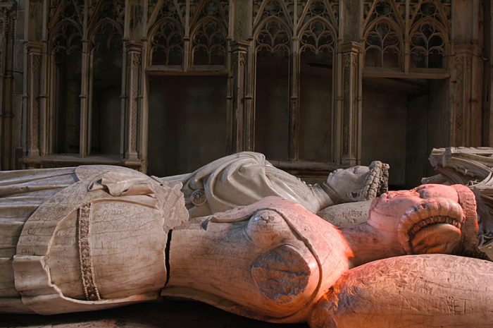 Gisants du duc Louis II de Bourbon et de la duchesse Anne d'Auvergne