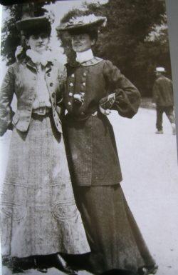 Coco et Adrienne 1906 23 ans