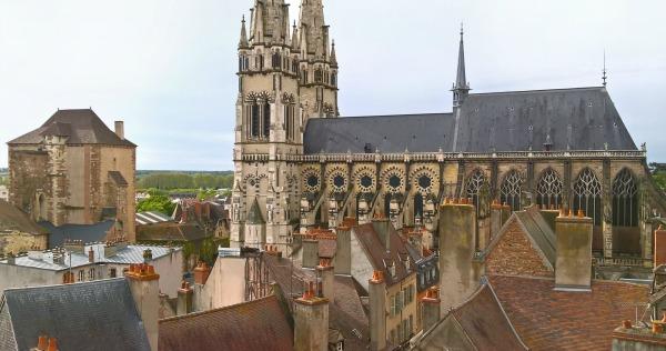 Auvergne-Allier-Moulins-Cathédrale et Mal Coiffée-600px