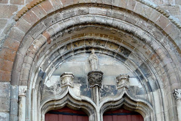 Auvergne Allier Lurcy église (2)