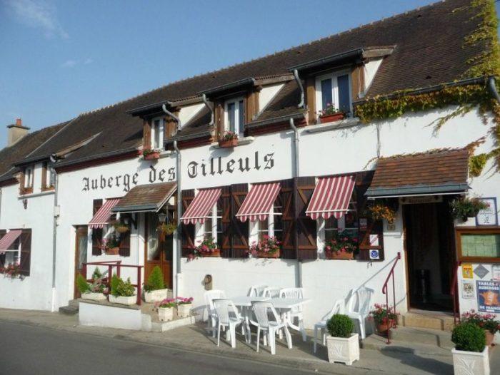 Auberge des tilleuls office de tourisme de moulins en pays bourbon - Office de tourisme moulins ...